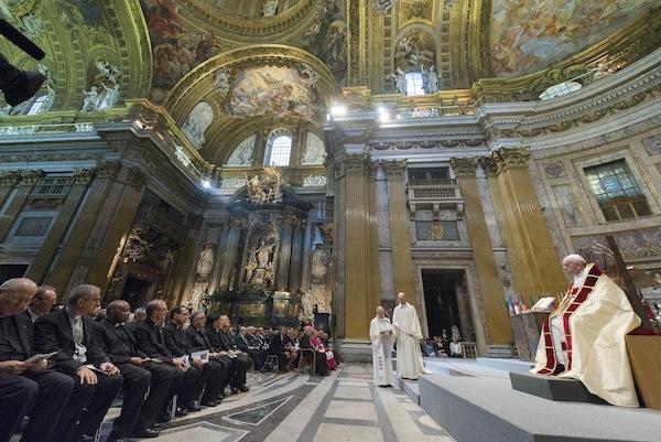 Il Papa benedice la Pala d'Altare di Safet Zec - Foto di Zeno Colantoni